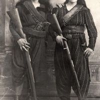 Two Armenian women pose with their rifles before going to battle against the Ottomans -