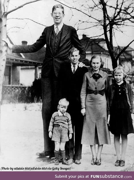 Robert Wadlow the world's tallest man in history and his siblings