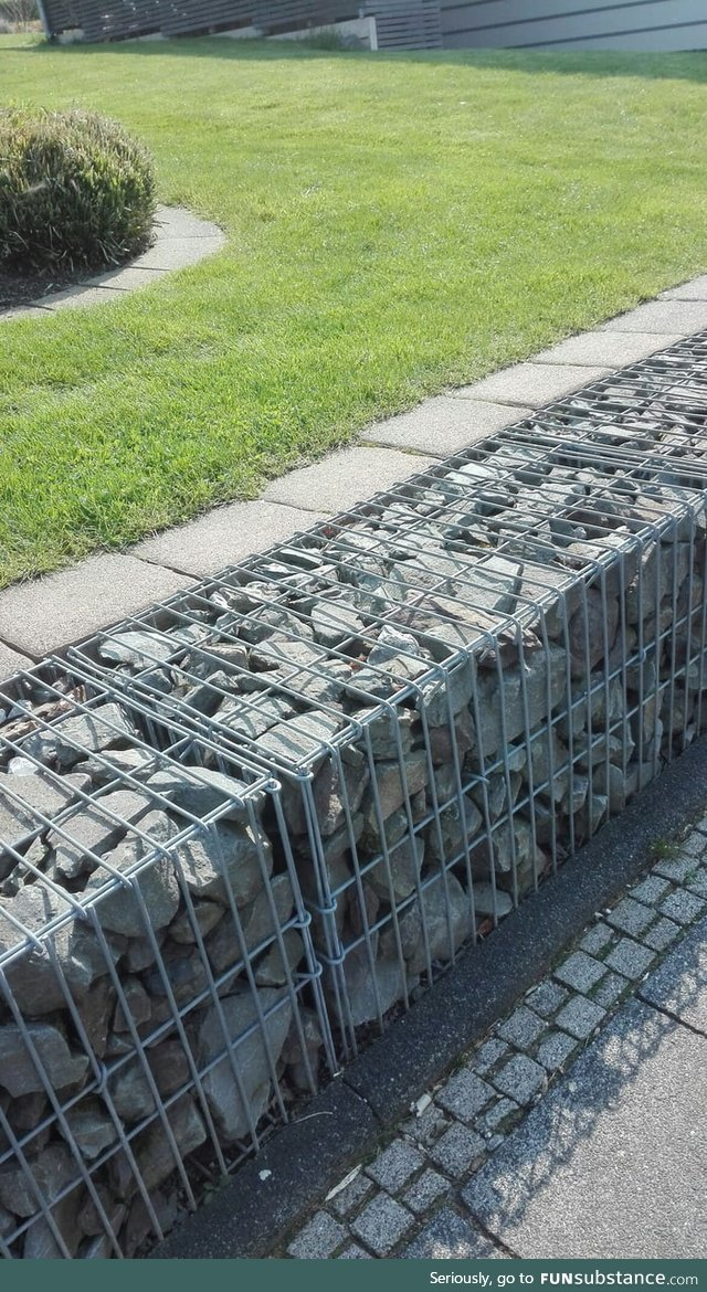Does anyone anywhere else like to put stones in cages or is this a German thing only?