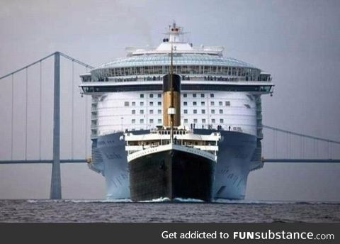 Titanic next to a modern Ocean liner..