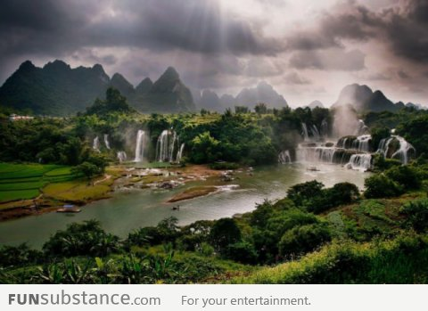 This is not paradise, this is Guangxi, China
