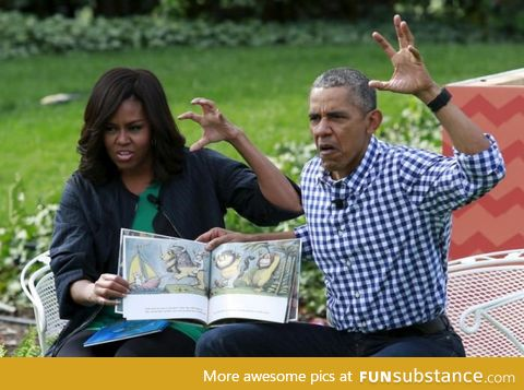 """Barack and Michelle Obama reading """"Where the Wild Things Are"""" for children"""