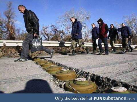 Ukrainians overstepping the anti-tank mines