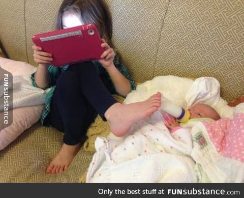 Learning to multitask at an early age