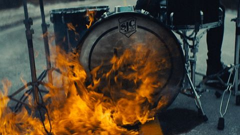 The Heavydirtysoul Video is Out!
