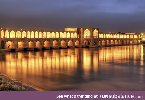 Si_o_se pol(the bridge of 33 spans),in Isfahan_Iran,built in 1602 over the Zayande River
