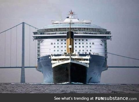 RMS Titanic in comparison to Oasis of the Seas