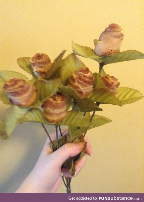 The bacon rose boquet I made my BF for Valentine's Day! A little late I know!