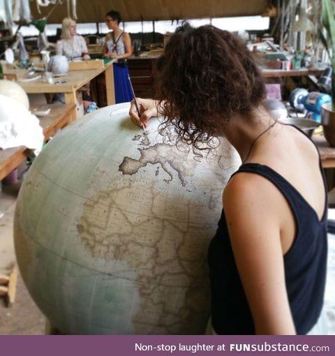 Globe maker