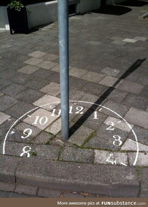 Clever graffiti sundial