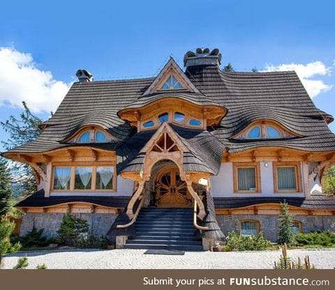 Look at the roof and front door of this house