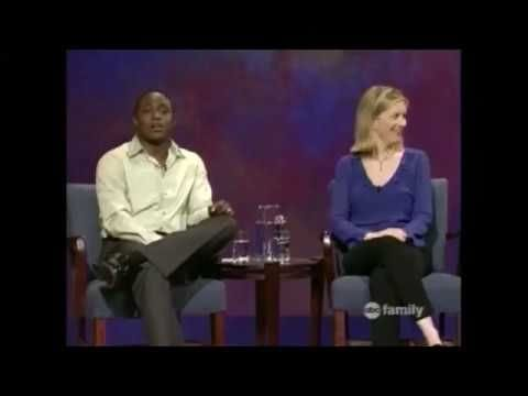 Colin Mochrie smoothly saves a sketch from wrongfully sexualizing a young girl