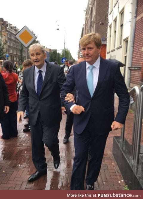 Dutch king supporting Amsterdam Mayor who suffers from lung cancer