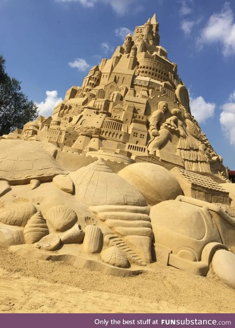 Largest sandcastle in the world (18m) -Duisburg, Germany