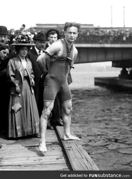 Houdini doesn't skip leg day