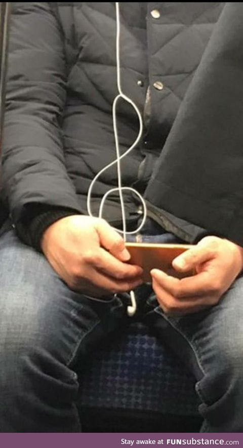 This guys earphones made the most perfect music note