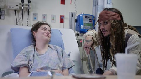 Johnny Depp visited a Vancouver children's hospital dressed as Jack Sparrow