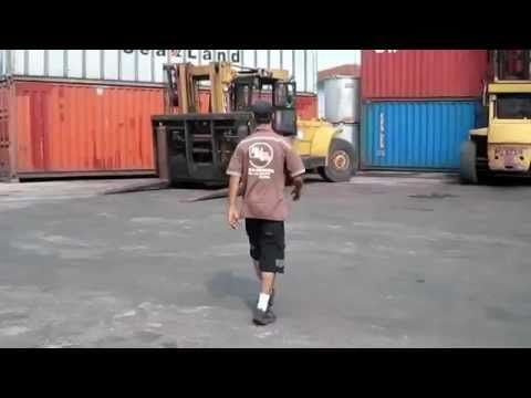 If you've ever worked on a forklift, this shit's ridiculous