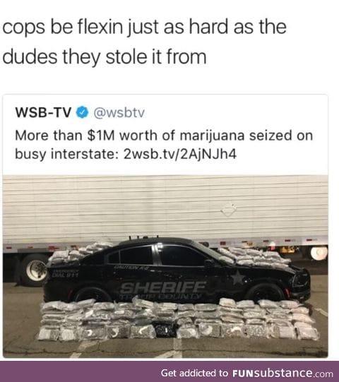 Cops be flexin