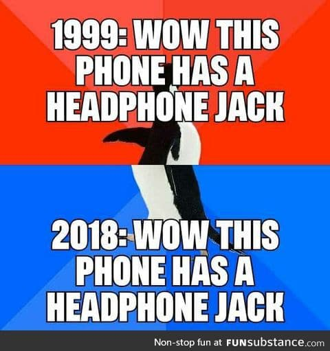 Headphone jack is a feature again