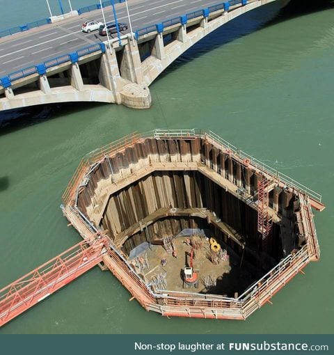 How bridge foundations over a river are built