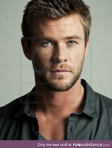 I'm not gay, but Chris Hemsworth is HOT