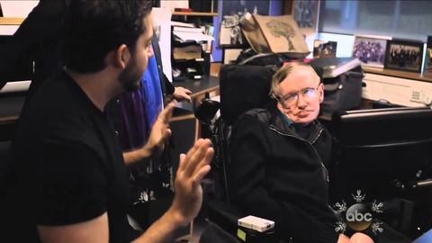 David Blaine Performs Magic for Stephen Hawking
