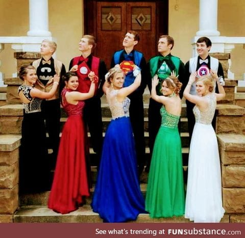 An awesome prom pic