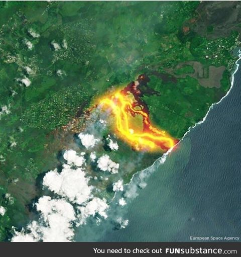 Lava flow from the Kilauea volcano as seen from space. Credit: European Space Agency
