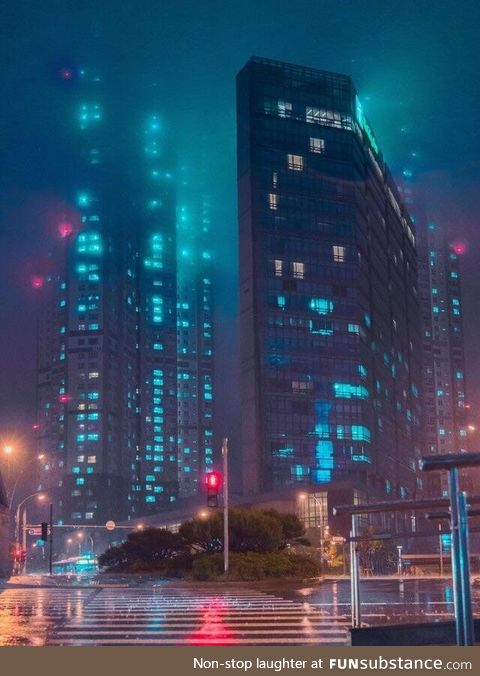 Heavy rain looks like Blade Runner