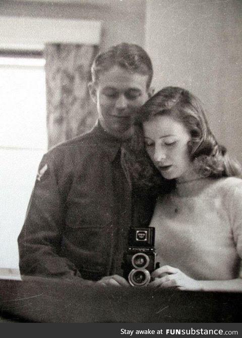 Wartime selfie, 1940