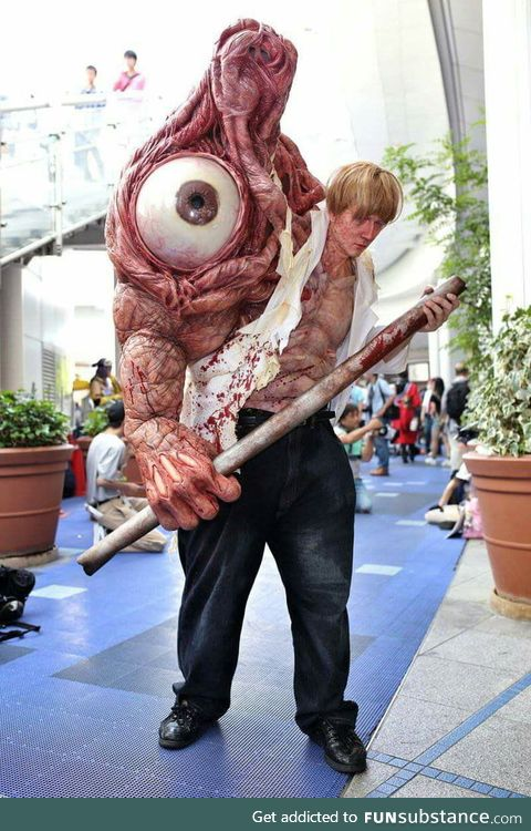 Resident Evil 2 Birkin cosplay