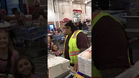 Little Girls Insist The Costco Clerk Is Maui from Moana