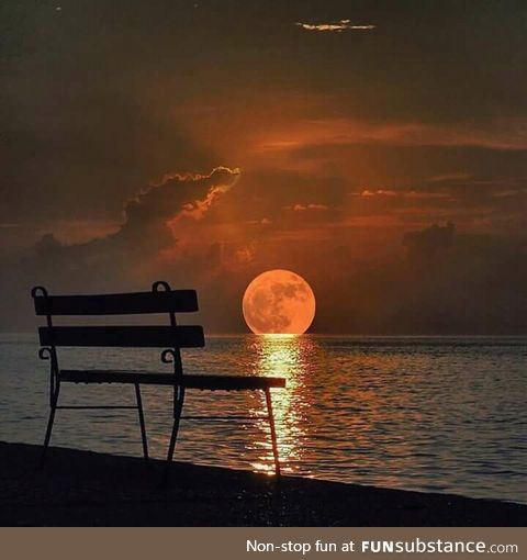 Damn moonset