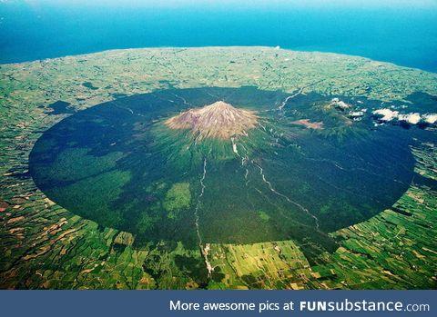 New Zealand's Mount Taranaki has an incredibly neat base