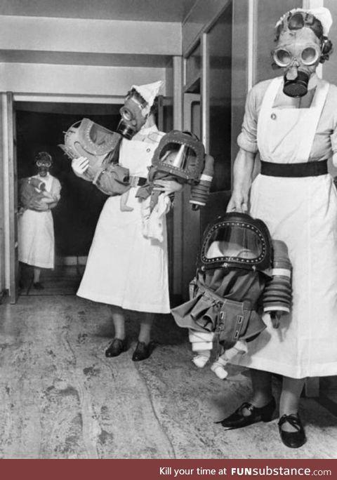Babies in gas masks / London / ww2