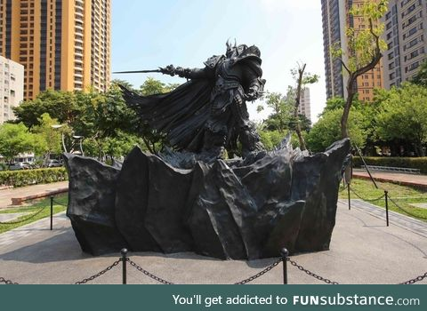 Blizzard's new 14 ft wide, 10 ft tall, 4000 lb Arthas statue