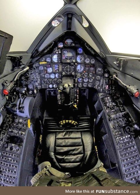 c*ckpit of SR-71 Blackbird