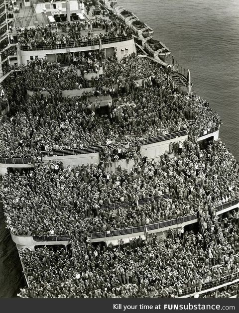 American soldiers on their way home from World War II, 1945