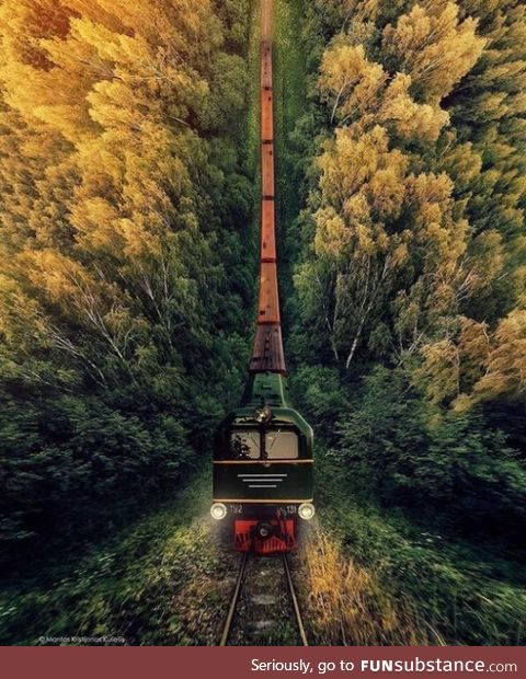 Downwards moving train