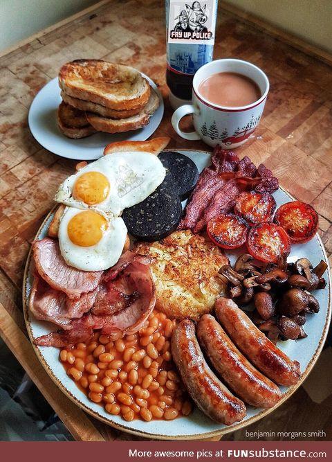 A proud English breakfast