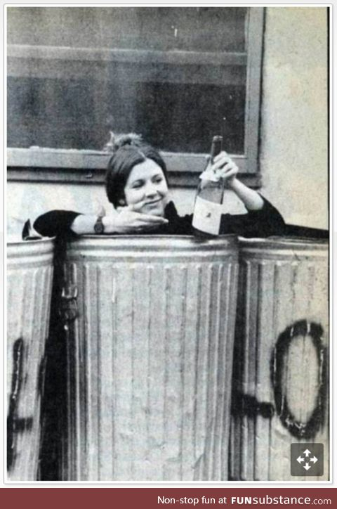 Carrie Fisher capturing that 2018 Mood back in 1977
