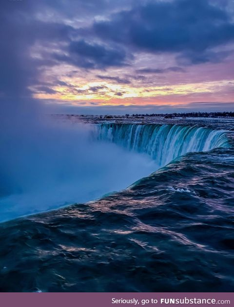 Drove 6 hours on a whim to watch the sun rise over Niagara Falls