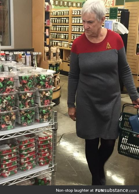 This woman's Christmas dress makes her look like a Starfleet Commander