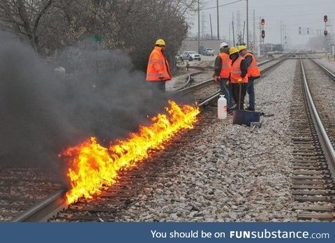 Chicago Is So Ridiculously Cold That the Railroad Tracks Need to Be on Fire to Keep the