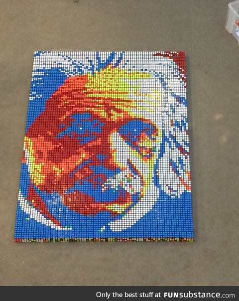 Albert Einstein made with 900 rubik's cubes