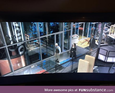 In Ant-Man & The Wasp (2018), Hank Pym's lab is powered by enlarged Duracell