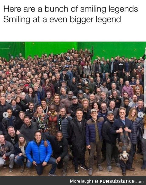 Why is there a big empty spot behind chris pratt???