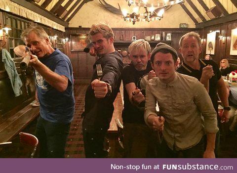 A king, an elf and 3 hobbits walk into a bar ... (Jan. 2017)