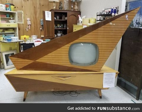 Kuba Komet television set from another dimension [1960's]